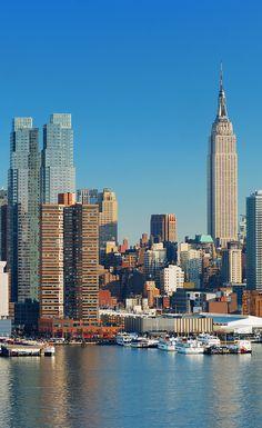 Time Square, Central Park & Brooklyn Bridge - lass dir diese Sehenswürdigkeiten nicht entgehen und reise nach NYC, in die USA. Auf Urlaubspiraten.de haben wir immer wieder tolle Angebote für New York Reisen, zu Piraten starken Preisen!