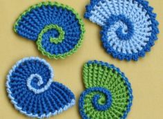 This pattern will instruct you to crochet modest sea shells. The pattern features detailed instructions (9 pages) and stitch explanations with many pictures. The pattern uses crochet US terms. You can use any kind of yarn to crochet this motifs. Size depending on the yarn and hook size you are using. Please do not sell, redistribute or edit this pattern in any way.