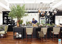 Yes! Open, entertain your heart out, not too neat kitchen #2011kitchenoftheyear #HouseBeautiful #TylerFlorence