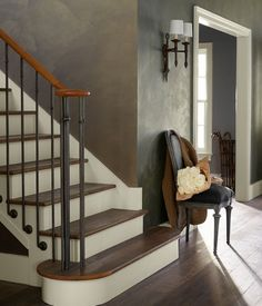 Capture the layered beauty of timeworn surfaces with Polished Patina specialty finish from Ralph Lauren Paint. Ralph Lauren Home Living Room, Home And Living, Room Wall Colors, Paint Colors For Living Room, Room Paint, Ralph Lauren Paint Colors, Ralph Lauren Paint Metallic, Metallic Paint, Faux Walls