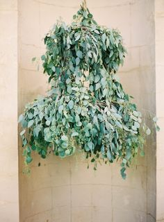 yes. // #eucalyptus #chandelier #green #creative #eventstyling #idea