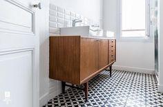 Antes y después: Un mueble de baño realizado con un aparador retro