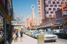 Las Vegas, July 1962 Fremont Street between & looking west. Arcade, Usa Street, Fremont Street, City Aesthetic, Retro Aesthetic, Las Vegas Nevada, Vegas Casino, Sin City, Us Cars