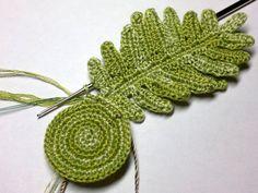 Crochet Small Flower, Diy Crochet Flowers, Crochet Bouquet, Crochet Brooch, Crochet Leaves, Freeform Crochet, Irish Crochet, Crochet Motif, Crochet Doilies