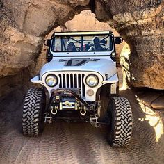 A collection of customized jeeps that I find cool and interesting. Jeep Wrangler Girl, Cj Jeep, Jeep Cj7, Jeep Truck, Badass Jeep, Jeep Camping, Cool Jeeps, Ford, Jeep Life