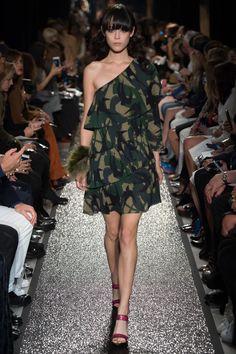 Sonia Rykiel Spring 2016 Ready-to-Wear Fashion Show - Bara Podzimkova