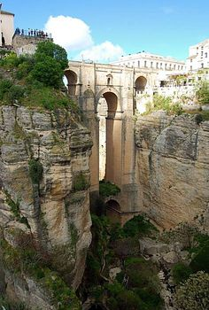 Ronda Bridge. Crazy