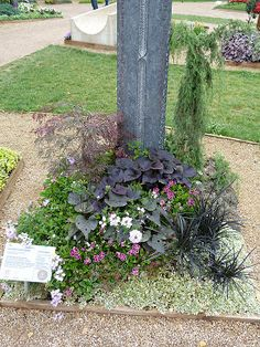 Gartenverbandelt: Grabbepflanzungen