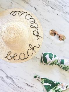 This lettered hat is perfect for the beach and is super easy to make. All you need is a wide- brimmed hat, thread and glue. Perfect for a beachy #ootd!: