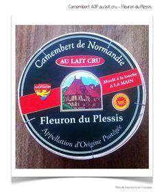 Le camembert de Normandie est un fromage au lait cru de vache, à pâte molle légèrement salée et à croûte fleurie fabriqué en Normandie. L'appellation d'origine de ce fromage français est protégée en France depuis 1982 par une appellation d'origine contrôlée et dans l'ensemble des pays de l'Union européenne par une appellation d'origine protégée (AOP). La fromagerie du Plessis fut créée en 1935, est spécialisée dans la fabrication au lait cru.  Photo © stephane et les fromages - Paris 2016