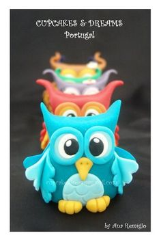 THE LITTLE OWL VIOLINIST - by AnaRemigio @ CakesDecor.com - cake decorating website