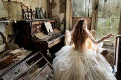 Magické fotografie ztracených duší v opuštěných budovách