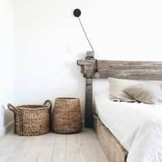 We love your handmade bed filled with stunning simple  #linen @wearecaribou
