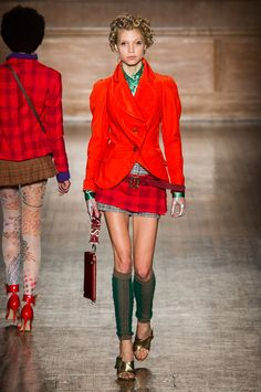 See all the Vivienne Westwood Fall 2016 looks from the runway.