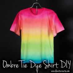 Ombre Tie Dye Shirt DIY - great shirts for summer camp :-) Diy Tie Dye Shirts, Shirt Diy, Dye T Shirt, Rainbow Tie Dye Shirt, Diy Tie Dye Dress, Tye And Dye, How To Tie Dye, How To Dye Fabric, Tie Dye Tips