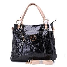 MICHAEL Michael Kors Totes go well with every dress or outfit. Michael Kors Totes on Sale are manufactured for every occasion and season. The styles of Michael Kors Totes Bags show your taste of aesthetic standard, so choose the right size of the handbags Sac Michael Kors, Michael Kors Handbags Outlet, Cheap Michael Kors, Handbags On Sale, Mk Handbags, Cheap Handbags, Discount Handbags, Handbags Online, Unique Handbags