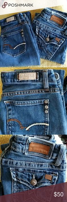 2 pairs Size 27 miss me jeans Two pairs Miss Me jeans size 27. Sold as one item only. Miss Me Jeans