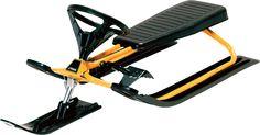 """STIGA Snowracer Classic Klassikern i kälkbacken, tillverkad i en stabil och robust konstruktion. Denna """"snöskoter"""" har en effektiv fotbroms och säkerhetsratt. Snöre med handtag att dra den i och monteringsvägledning medföljer.Mått: 116 x 49 cm"""