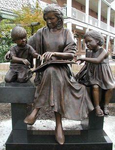 Double the Fun by Sandy Proctor Bronze Statue Art Statues, Hans Christian, Public Art, Oeuvre D'art, Sculpture Art, Book Art, Gallery, Artwork, Painting