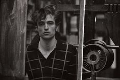 After starring in Dior Homme Intense City's fragrance campaign, actor Robert Pattinson is featured in a series of photos lensed by photographer Peter Lindbergh. Peter Lindbergh, Robert Pattinson 2016, Robert Douglas, Edward Cullen, Black And White Pictures, Twilight Saga, British Actors, Husband, Hollywood