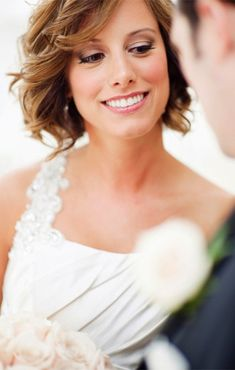 so refreshing to see short hair styles on brides and wearing it down. Like this one too....don't know how it would work with a veil.