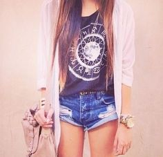 Cardigan outfit. Cute
