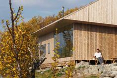 Jon Danielsen Aarhus creates pine-clad mountain cabin in Norway for himself Aarhus, Residential Architecture, Architecture Design, Ideas De Cabina, Shelter Design, Wood Cladding, Wood Siding, Surf Shack, Wooden Cabins
