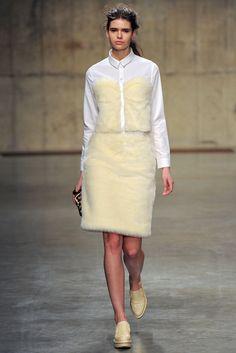 Simone Rocha Fall 2013 Ready-to-Wear Fashion Show