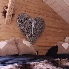 Avez-vous déjà réservé votre hébergement  pour les fêtes de fin d'année ? Voici le Moulin de la Scie Neuve à Bois-d'Amont, vous pourrez y loger confortablement | Station des Rousses, Jura, France | #JuraTourisme
