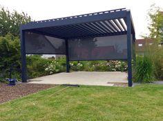 Besuchen Sie unsere Ausstellungund lassen sich von unserentollen Lamellendächern und weiteren Sonnenschutzvarianteninspirieren. Dieses Angebot gilt bis auf Widerruf. Lamellendach B-200 XL Outdoor Living als bioklimatische Pergola aus einem soliden Aluminiumbau...