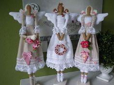 Tilda angel, Engel, dolls from internet - Vera A - Picasa Web Albums Fabric Toys, Fabric Crafts, Panduro Hobby, Angel Crafts, Sewing Dolls, Waldorf Dolls, Soft Dolls, Softies, Doll Patterns