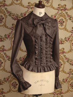 Brown Blouse with all the right elements Indie Fashion, Lolita Fashion, Gothic Fashion, Fashion Outfits, Modern Victorian Fashion, Vintage Fashion, Cute Blouses, Blouses For Women, Blouse Styles