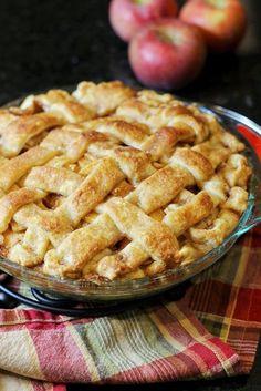 Apple pie | http://www.hercampus.com/school/wvu/debate-cake-vs-pie