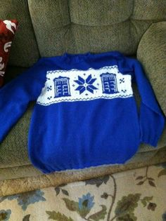notloblawlawblog:  Doctor Who Tardis Christmas jumper. Adapted from a chart and a sweater pattern by me. :) Here's the Ravelry page. Made fo...