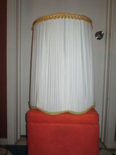vtg Mid Century Hollywood Regency Drum Pleated lampshade-XL-Gold trim-Scalloped