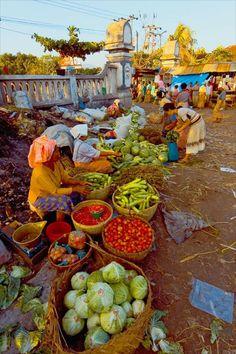 Market in Bali Bali Lombok, Philippines, Street Food Market, Craniosacral Therapy, Traditional Market, Fresh Market, We Are The World, Paradise Island, Bali Travel