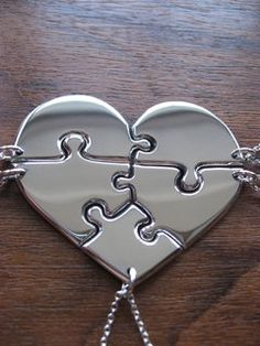 Would be nice to share this heart puzzle pendant
