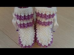 Knit Baby Booties, Crochet Baby Shoes, Baby Shoes Pattern, Knitted Slippers, Baby Cardigan, Leg Warmers, Baby Knitting, Girl Fashion, Crochet Patterns