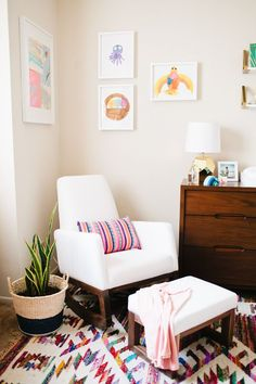 Left-hand wall shows way to display several kid's art works in one framed piece