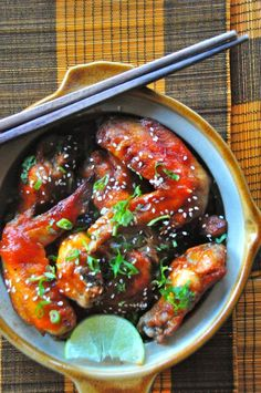 Chicken Recipes : Spicy Sriracha Sesame Chicken Wings Recipe