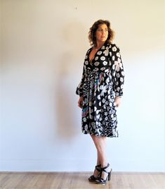 vintage 1980s women's dress // sakowitz silk dress // black and white rainbow dress