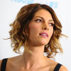 Shag hairstyles are very popular right now. Whether you're opting for a shaggy bob, or shaggy long hair, you'll enjoy these 26 photos of the best ones.: Dawn Olivieri
