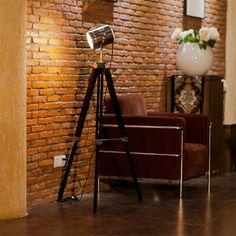 Antiguo reflector farol cine lampara de pie tripode for Hogar muebles montevideo