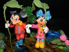 Minnie si michey in ploaie