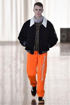 Gosha Rubchinskiy Fall 2017 Menswear Fashion Show Fashion Brands, Fashion Show, Fashion Looks, Mens Fashion, Fashion Outfits, High Fashion, Football Fashion, Gosha Rubchinskiy, Adidas Football