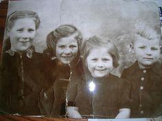 familie Van Aken Loenhout Ca 1947  Maria -..-..-Willy Van Aken 01/05/1942