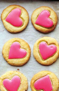 Hot pink heart cookies ♥