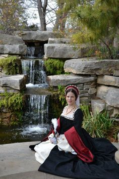 Tudor Era, Court Tudor Gown-Good fabrics, with some 'weight' to them, can make all the difference when creating a gown.