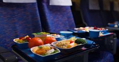What do you eat when you travel? It's easy to revert to sugary foods that will feed your Candida. Here are some tips for eating healthily on the road. Healthy Snacks For Adults, Healthy Food List, Healthy Dinner Recipes, Healthy Chicken Enchiladas, Protein Fruit, Candida Diet Recipes, Picky Eaters Kids, Did You Eat, Frappe