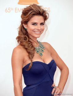 Maria Menounos desfilou um dos penteados mais espetaculares da noite, apostando em trança espinha de peixe e topete